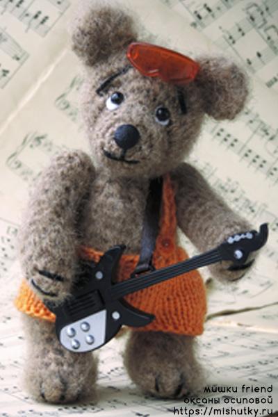 Мишка музыкант